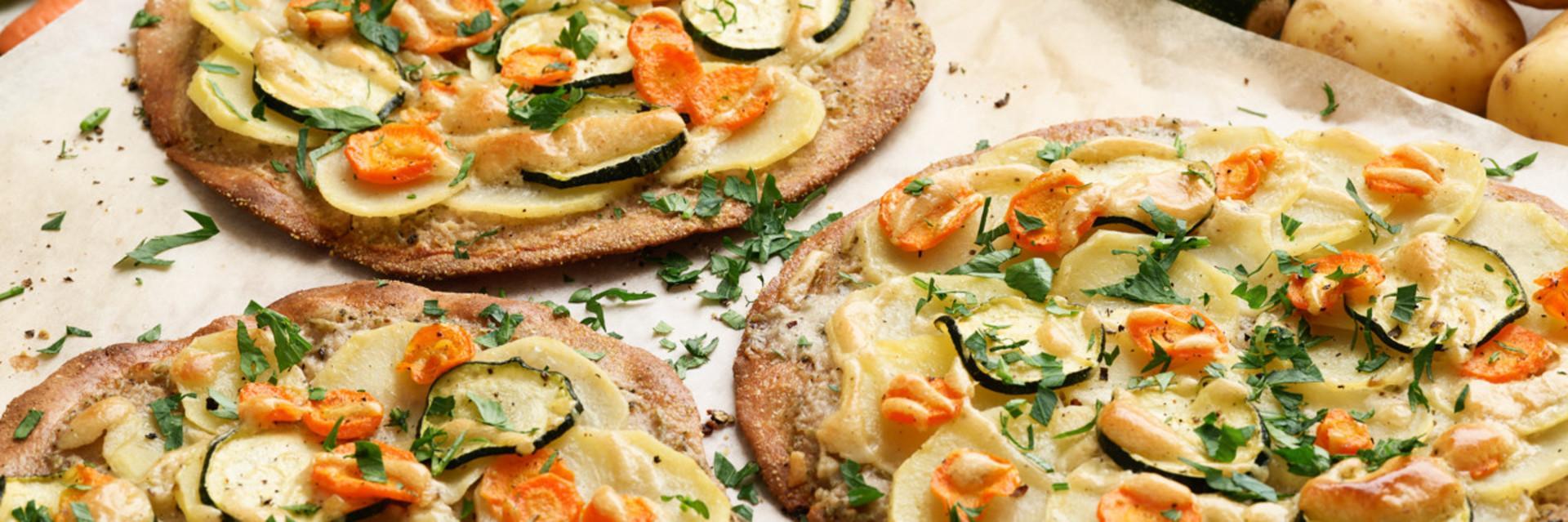 Frühlingshaftes Gericht aus pflanzlichen Lebensmittel