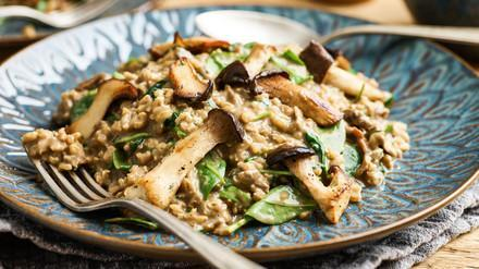 Risotto with mushrooms and spinach