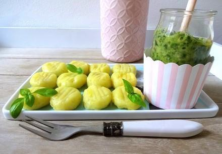 vegane Gnocchi mit Rucola-Walnuss-Pesto