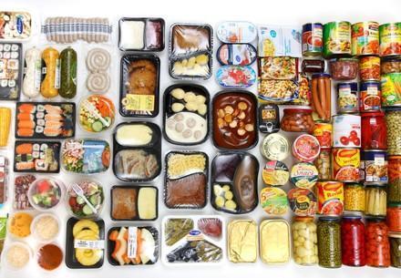 diverse Lebensmittel aus dem Supermarkt