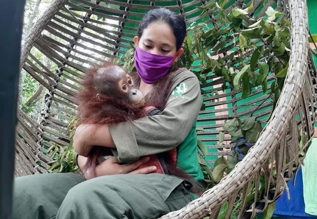 Indra mit seiner Pflegerin