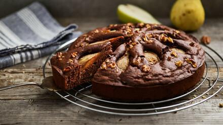 Gâteau au chocolat avec des poires