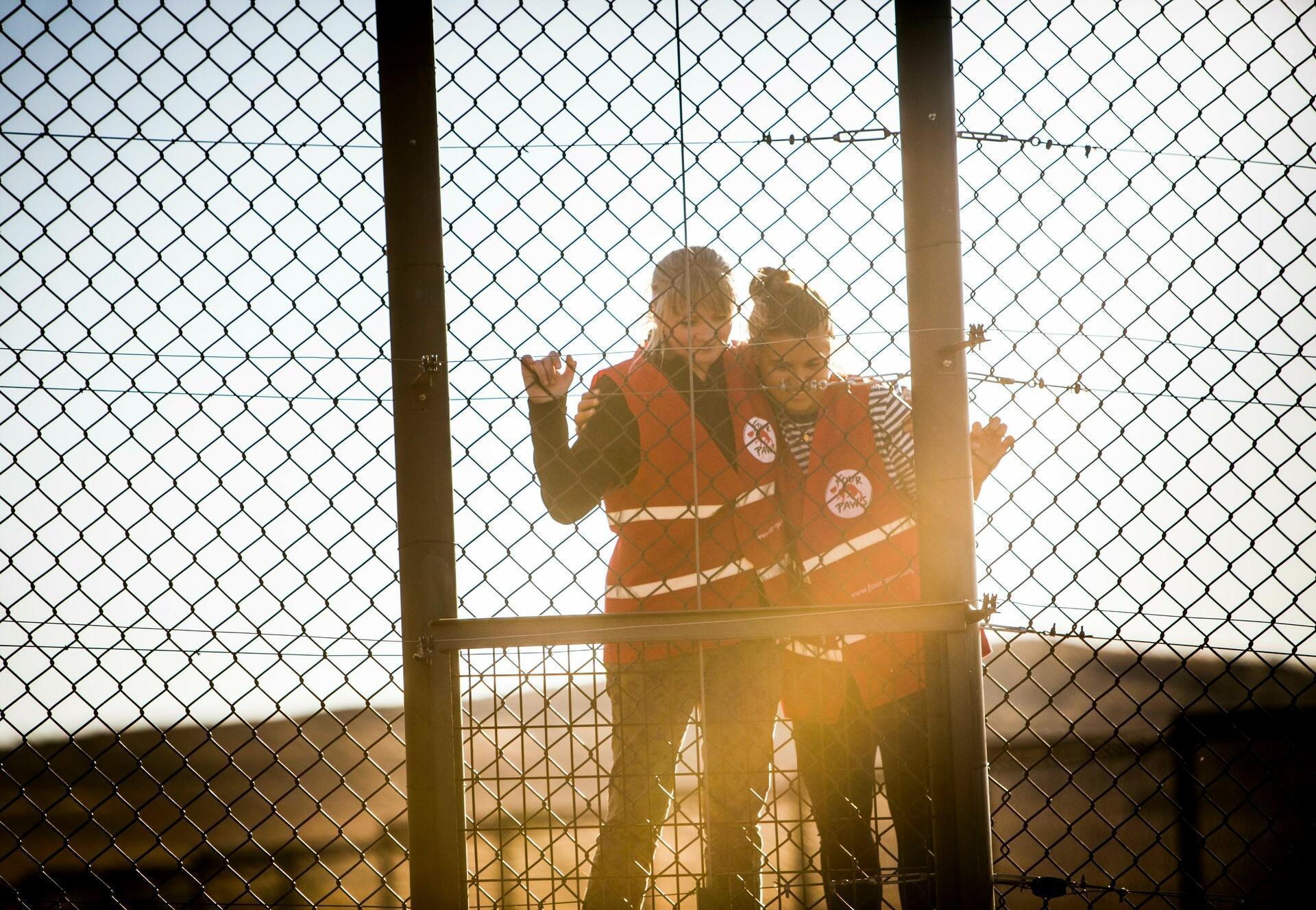 Weibliche Unterstützung bei der Freilassung von Tiger Laziz