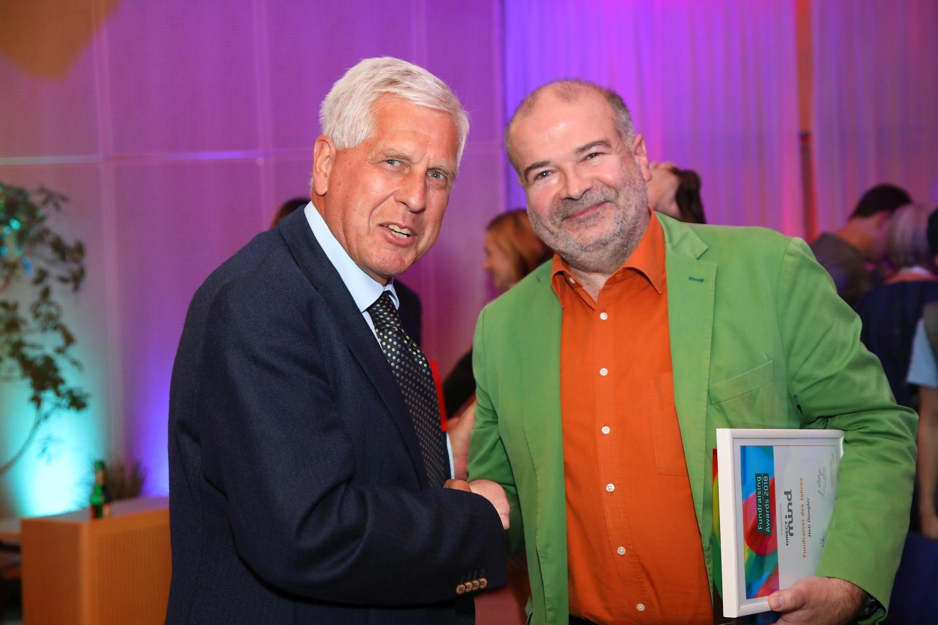 Franz Küberl (langjähriger Präsident Caritas Österreich) mit Heli Dungler (Fotocredit: Ludwig Schedl)