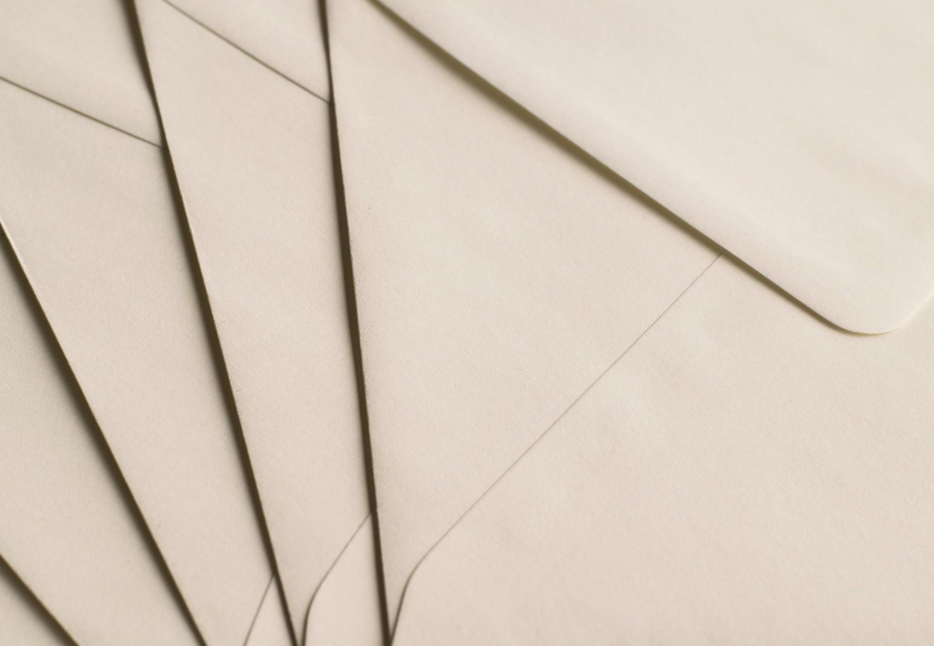 Questions générales sur les envois postaux de QUATRE PATTES