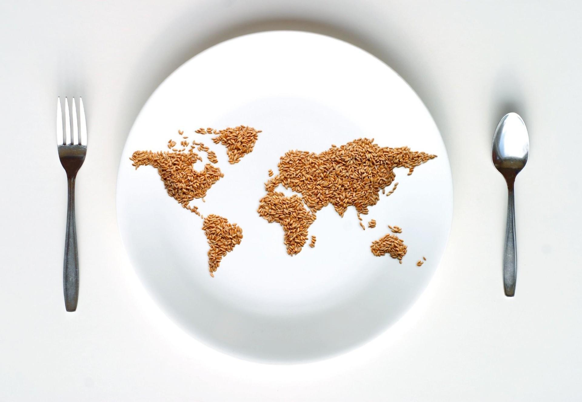 Teller mit Weltkarte