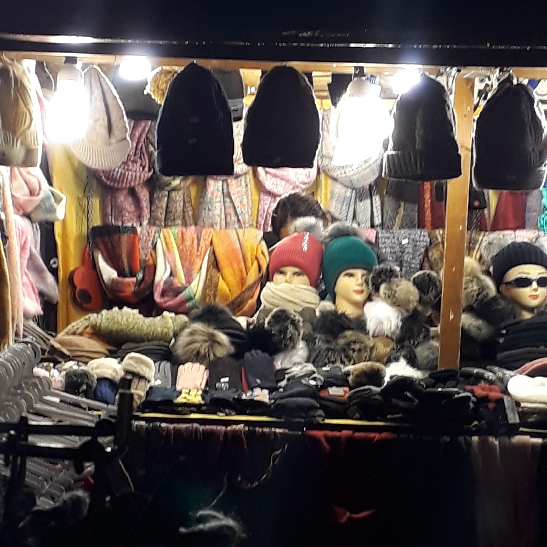 Auf vier Märkten wurden verbotene Pelzprodukte gefunden.