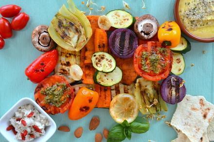 Grillgemüse und vegane Dips