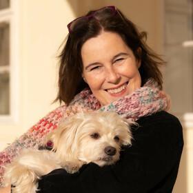 Madeleine Dürrer mit Hund Joey