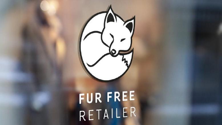 Fur Free Retailer Logo auf einem Schaufenster platziert.