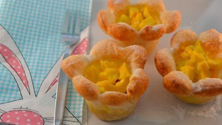 Apple blossom puffs