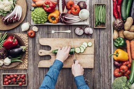 Gemüse wird zubereitet