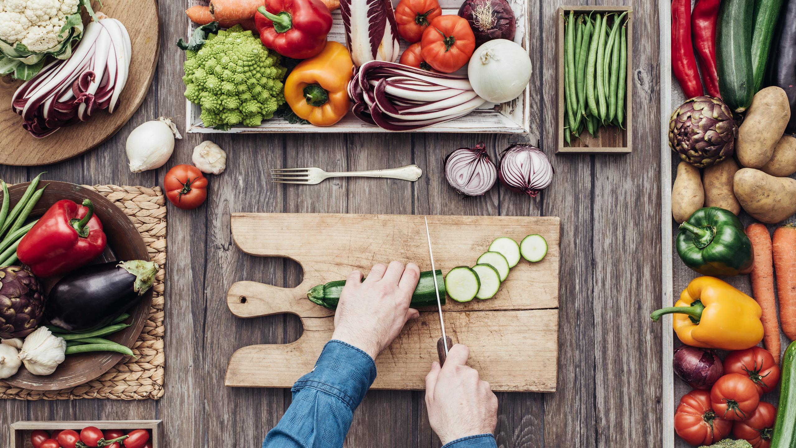 Kochen mit Frischgemüse | © Fotolia StockPhotoPro