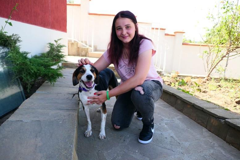 куче Светлина с нова осиновителка