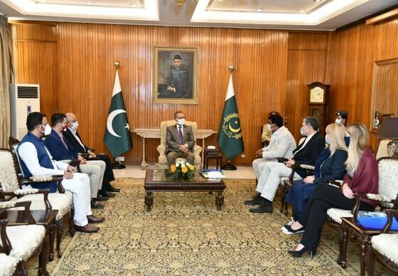 Das VIER PFOTEN Team trifft den Pakistanischen Präsidenten