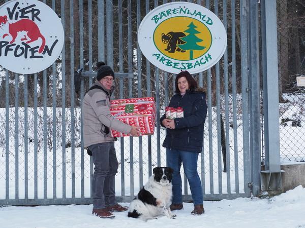 Mairinger Family and dog Nikita with donation
