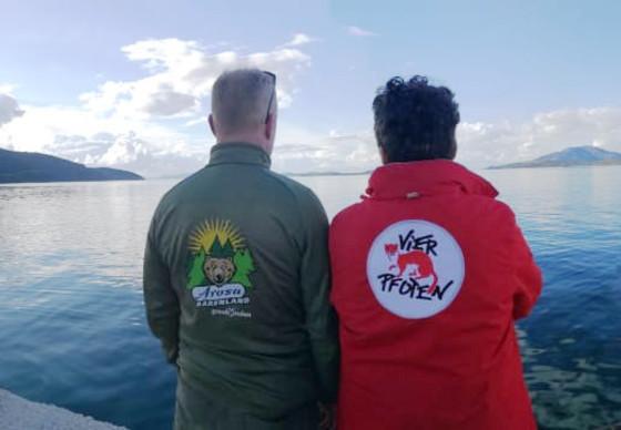 Das Team von VIER PFOTEN und dem Arosa Bärenland auf gemeinsamer Mission