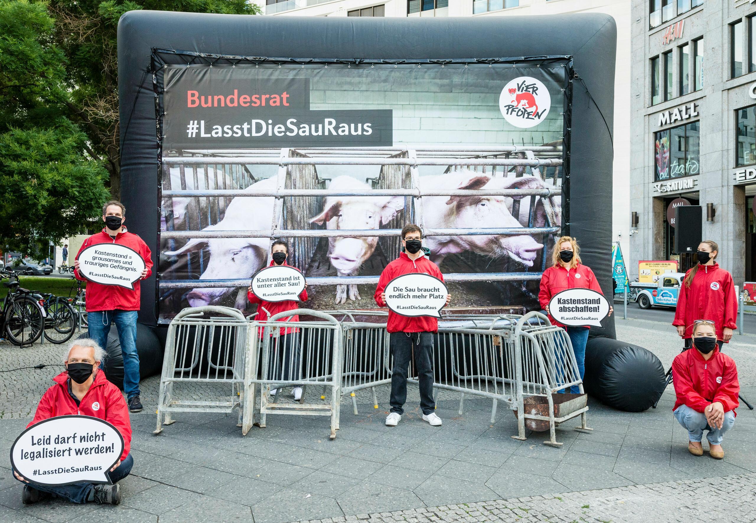 Kastenstand - Protest-Aktion vor dem Bundesrat 05.06.2020 Berlin