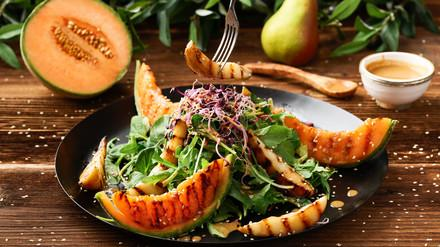 Salade de melon et de poire grillés