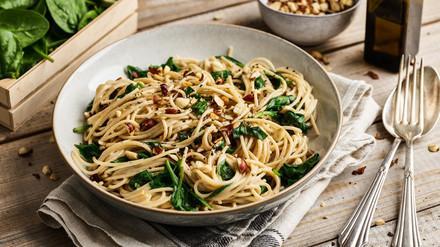 Spaghetti mit Mandel-Mascarpone und Haselnüssen